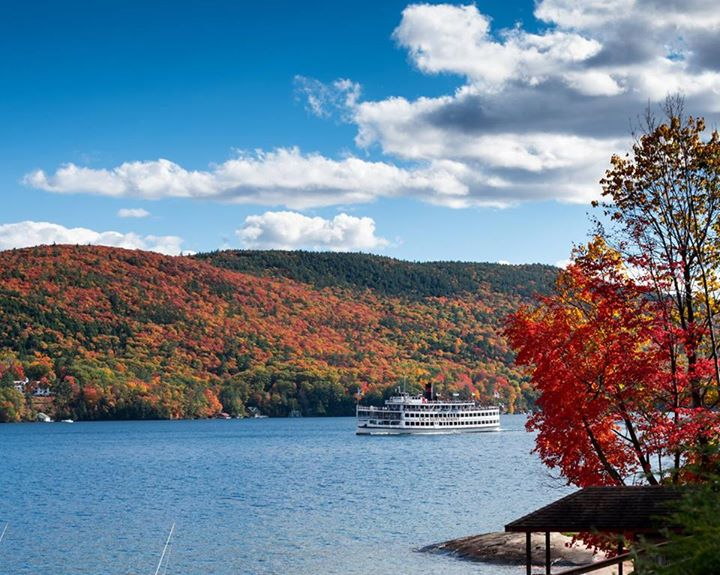 Lake George is beautiful in the fall! Start planning your stay here with lodging…